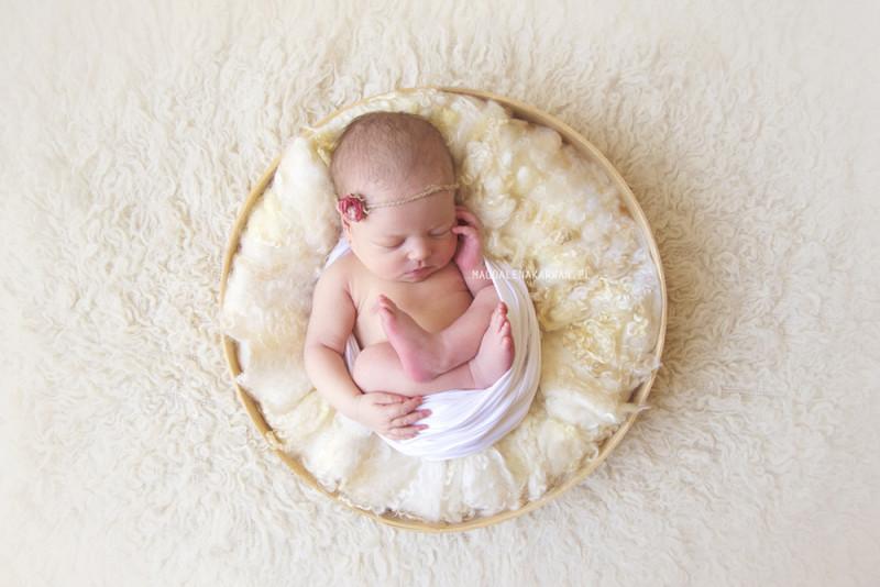6-cio dniowa Hania fotografia noworodkowa